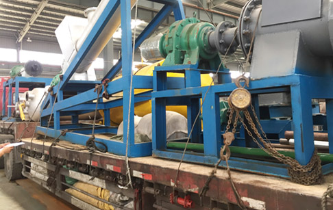 Successful trial of Spain customer's 20T/D continuous waste plastics pyrolysis plant