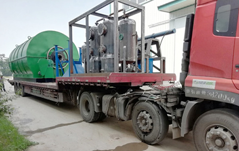 One set 12T/D waste tire pyrolysis plant bought by Hunan,China customers was delivered