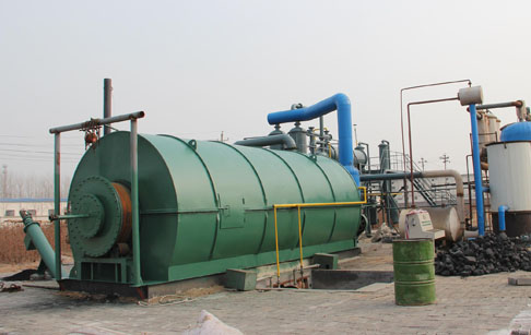 3 sets 10T waste tire pyrolysis plant started operating of customers from Guangdong, China