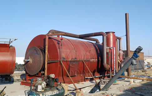 One set waste tyre to oil pyrolysis plant installed in Gansu, China