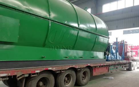 Four sets 12T tyre oil pyrolysis plant to Guizhou, China, on delivery