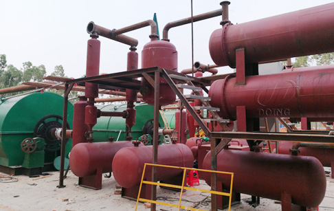 Two sets 10T waste tyre pyrolysis to oil plant were installed in Anhui, China