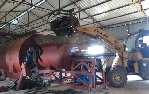 Waste tyre pyrolysis to oil machine project of Chinese customers ran smoothly and started production