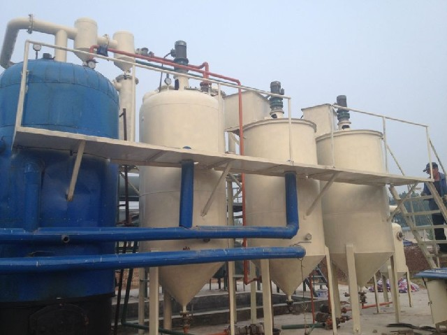 Small motor oil refiners into diesel machine