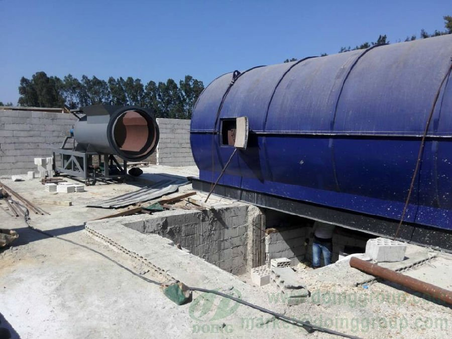 Waste tyre pyrolysis machine in